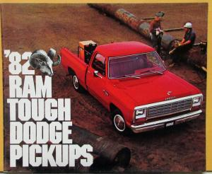 1982 Dodge RAM Pickups Club Crew Conv Cabs Color Sales Brochure Original
