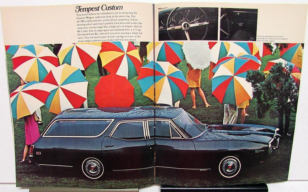 1968 Pontiac 16-page Station Wagon Car Brochure Bonneville Catalina Tempest