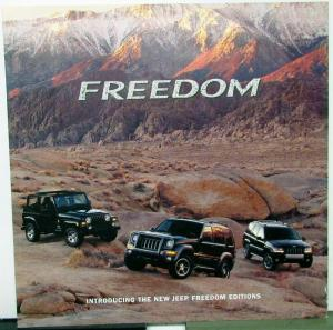 2004 Jeep Dealer Sales Brochure Large Folder Freedom Editions Features & Options