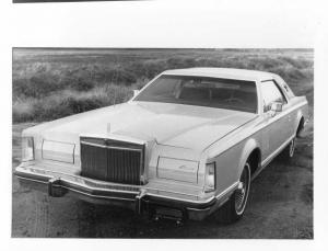 1977 Lincoln Continental Mark V Press Photo 0042