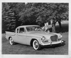 1961 Studebaker Hawk Press Photo and Release 0011