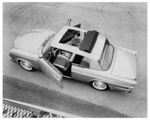 1963 Studebaker Skytop Sunroof Press Photo and Release 0045