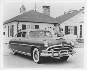 1953 Hudson Hornet Press Photo and Release 0009