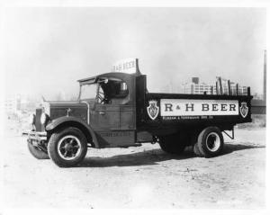 1934 Era Mack Truck Factory Press Photo 0026 - R & H Beer
