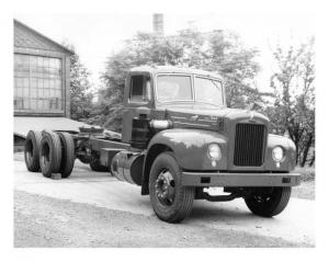 1953 Mack B-Series Press Photo 0090