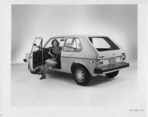 1977 VW Volkswagen Rabbit 2-Door Hatchback Press Photo and Release 0015