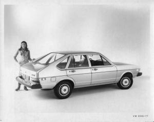1977 VW Volkswagen Dasher 4-Door Press Photo and Release 0027
