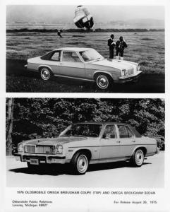 1976 Oldsmobile Omega Brougham Coupe and Sedan Factory Press Photo 0210