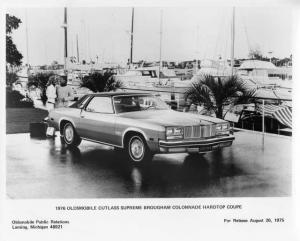 1976 Oldsmobile Cutlass Supreme Brougham Colonnade Factory Press Photo 0216