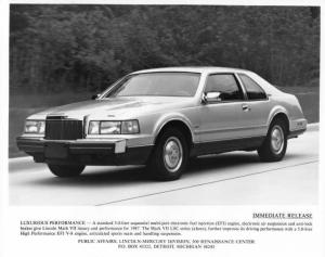 1987 Lincoln Mark VII Press Photo 0049