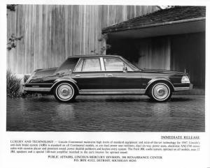 1987 Lincoln Continental Press Photo 0050