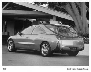 1998 Buick Signia Concept Vehicle Press Photo 0065