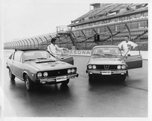 1975 Renault 17 & 12TL Indy with Al & Bobby Unser at the Wheel Press Photo 0017
