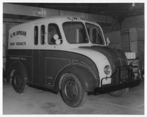 1950 Divco Delivery Truck Photo 0001 - CW Spear Dairy Products
