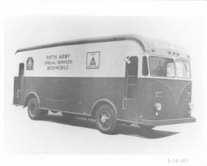 1954 Available Truck w/ Gerstenslager 5th Army Bookmobile Body Press Photo 0005