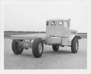 1952 FWD Truck Cab & Twin Steer Chassis Rear View Press Photo 0007