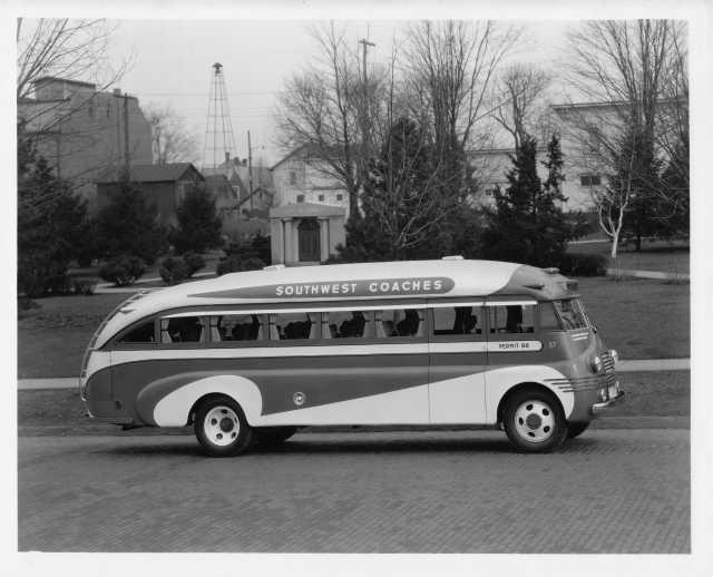 1947 Flxible Bus Press Photo 0005 - Southwest Coaches