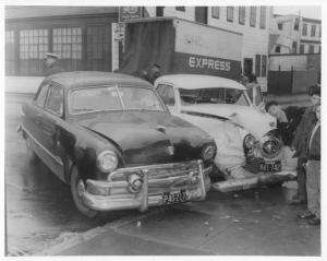 1951 Ford & 1950 Studebaker Traffic Crash in 1957 Press Photo 0254 - MA