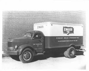 1946-1954 REO Truck with Hercules Body Press Photo 0015 - Emges Meat Products
