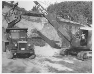 1951 Sterling Dump Truck & Link-Belt Shovel Press Photo 0048 - TW Watkins & Son