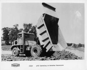 1970s Autocar AP25 Dump Truck Press Photo 0027