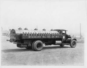 1931 Mack AK Tanker Truck Press Photo 0200 - Standard Oil Co New York SoCoNY