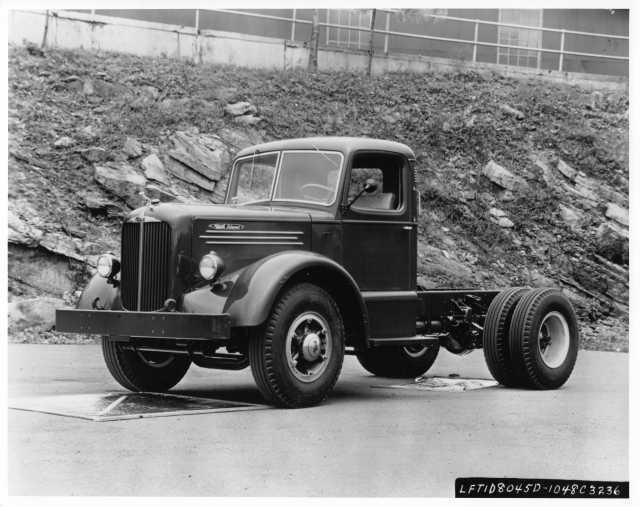 1956 Mack Diesel Truck Cab and Chassis Press Photo 0201