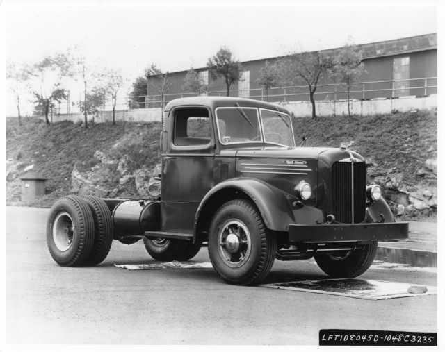 1956 Mack Diesel Truck Cab and Chassis Press Photo 0202