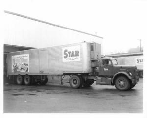 1960s White Mustang Tractor with Brown Trailer Press Photo 0078 - Star Market Co