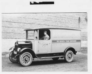 1925 Willys-Knight Truck Press Photo 0010 - Schoppenhorst Cleaners