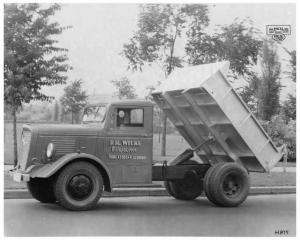 1936 FWD H-879 Truck with Heil Dumping Unit Press Photo & Release 0013