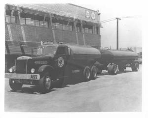 1952 Sterling-White Tanker Truck Press Photo 0056 - Cantlay & Tanzola Transport