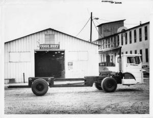 1960s White Alley Cat COE Cab Chassis Truck Press Photo 0133