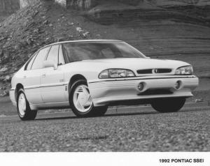1992 Pontiac Bonneville SSEi Press Photo 0097