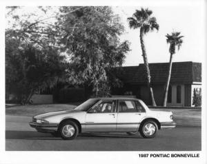 1987 Pontiac Bonneville Press Photo 0115
