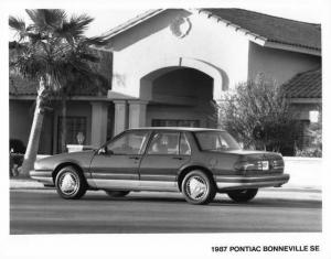 1987 Pontiac Bonneville SE Press Photo 0117