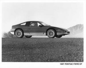 1987 Pontiac Fiero GT Press Photo 0121