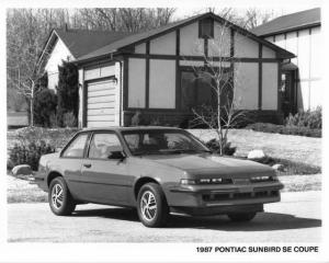 1987 Pontiac Sunbird SE Coupe Photo 0124