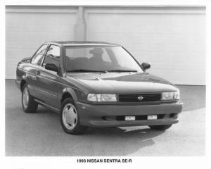 1993 Nissan Sentra SE-R Press Photo 0015