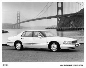 1994 Buick Park Avenue Ultra Auto Press Photo 0154