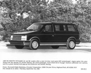 1989 Plymouth Voyager LX Press Photo 0069