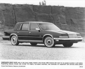 1990 Chrysler Imperial Sedan Press Photo 0076