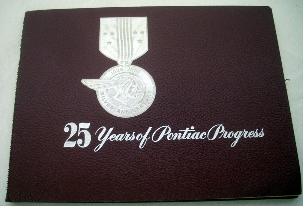 1951 Pontiac Silver Anniversary Progress Book & 26 BW Photos Very Nice RARE Orig