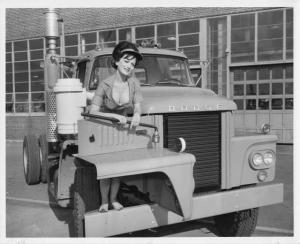 1962 Dodge 900 Truck and Model with Lug Wrench Press Photo 0229