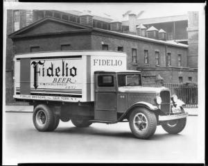 1933 Studebaker S Series Truck Press Photo 0087 - Fidelio Beer Brewery - NY