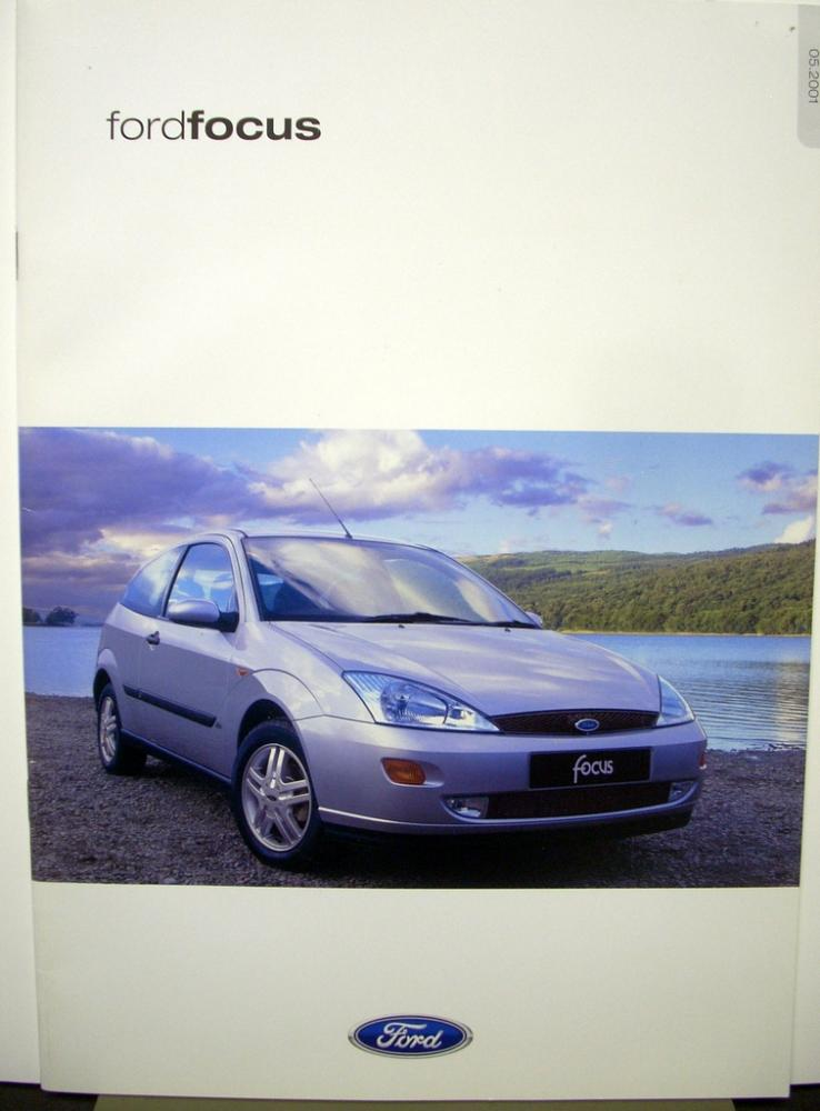 2000 Ford Focus Sales Brochure Book